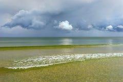 De horizon van de Oostzee met wolken Royalty-vrije Stock Afbeelding