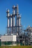 De horizon van de raffinaderij stock foto