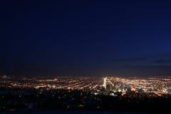 De horizon van de stad bij nacht Royalty-vrije Stock Fotografie