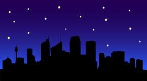 De Horizon van de stad bij Nacht Royalty-vrije Stock Foto's