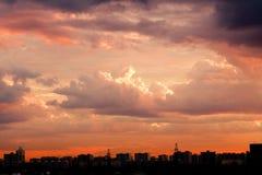 De Horizon van de stad in Dawn Stock Foto's