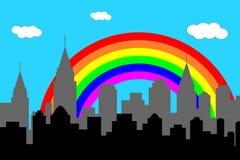 De horizon van de stad met regenboog Stock Afbeeldingen