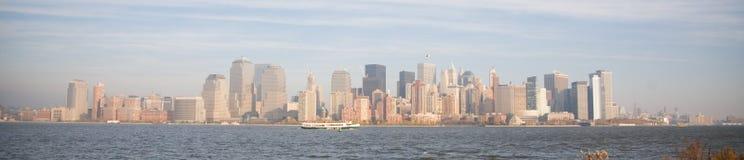 De Horizon van de Stad van New York in de Zonsondergang van de Daling Stock Fotografie