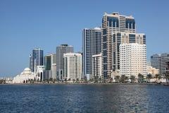 De horizon van de Stad van Sharjah Stock Foto