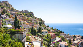 De horizon van de Taorminastad van Castelmola-dorp royalty-vrije stock foto