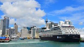 De horizon van de waterkant van Auckland - Nieuw Zeeland Royalty-vrije Stock Foto's