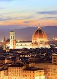 De horizon van Florence bij nacht, van Piazzale Michelangelo wordt bekeken die royalty-vrije stock afbeeldingen