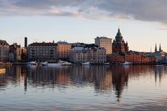 De Horizon van Helsinki bij Schemer Royalty-vrije Stock Foto's