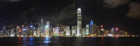 De Horizon van Hongkong bij nacht royalty-vrije stock afbeelding