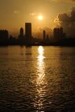 De Horizon van Hongkong bij Zonsondergang stock afbeeldingen