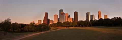 De horizon van Houston, Texas bij zonsondergang royalty-vrije stock fotografie