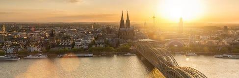 De Horizon van Keulen met Kathedraaldom panorama Royalty-vrije Stock Foto