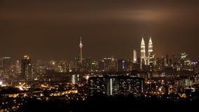 De horizon van Kuala Lumpur bij nacht Royalty-vrije Stock Foto's
