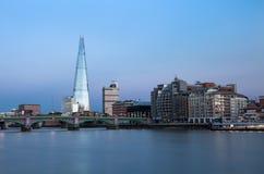 De horizon van Londen bij schemering Royalty-vrije Stock Fotografie