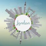 De Horizon van Londen met Gray Landmarks en Blauwe Hemel Stock Foto's