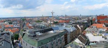 De horizon van München Stock Afbeeldingen