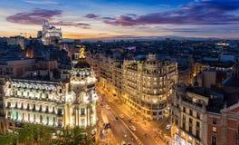 De Horizon van Madrid, Spanje, 's nachts stock foto's