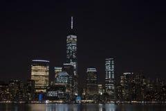 De horizon van Manhattan bij Nacht, de Stad van New York Stock Foto's