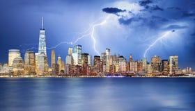 De horizon van Manhattan bij Nacht, de Stad van New York Royalty-vrije Stock Foto's