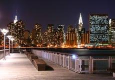 De horizon van Manhattan bij Nachten Royalty-vrije Stock Foto