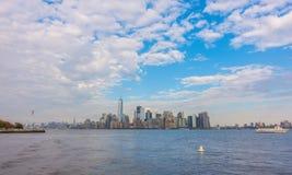De horizon van Manhattan, de Stad van New York De V.S. Stock Afbeeldingen