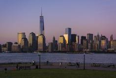 De Horizon van Manhattan na Zonsondergang Royalty-vrije Stock Foto's