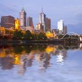 De Horizon van Melbourne bij Schemering Royalty-vrije Stock Fotografie