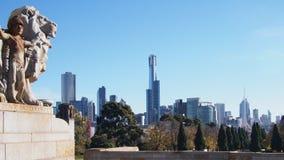 De horizon van Melbourne van het Heiligdom van Herinnering wordt gezien die Stock Foto's