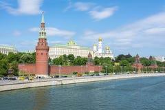 De horizon van Moskou met het Kremlin, Rusland royalty-vrije stock foto
