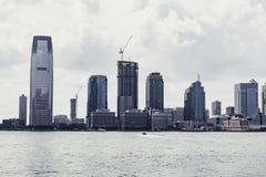 De Horizon van New York op een zonnige dag royalty-vrije stock afbeelding