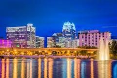 De horizon van Orlando, Florida, de V.S. bij nacht stock fotografie