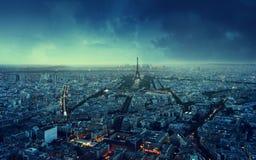 De horizon van Parijs bij zonsondergang Stock Fotografie