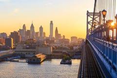 De horizon van Philadelphia bij zonsondergang Stock Foto