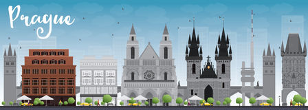 De horizon van Praag met grijze oriëntatiepunten en blauwe hemel Stock Afbeelding