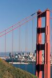 De horizon van San Francisco en de Gouden Brug van de Poort. Royalty-vrije Stock Afbeeldingen