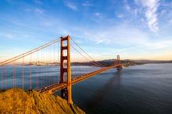 De horizon van San Francisco met Golden gate bridge Royalty-vrije Stock Foto's