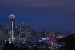 De Horizon van Seattle bij Blauw Uur 2 Stock Foto's