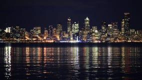 De horizon van Seattle bij nacht Washington, de V stock footage