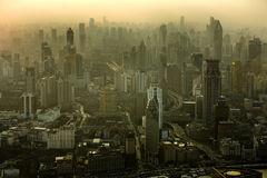 De horizon van Shanghai bij zonsondergang Royalty-vrije Stock Foto's