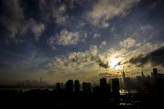 De Horizon van Smokey Manhattan NYC van Queens Royalty-vrije Stock Afbeelding