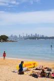 De horizon van Sydney van de Baai van Watson Stock Foto's
