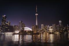 De Horizon van Toronto bij Nacht Stock Foto