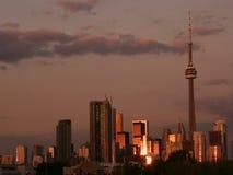 De Horizon van Toronto bij Zonsondergang Stock Afbeeldingen