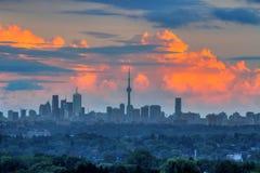 De horizon van Toronto bij zonsondergang Stock Afbeelding