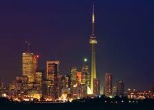 De horizon van Toronto - financiële kern bij schemer Royalty-vrije Stock Afbeelding