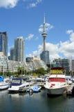 De horizon van Toronto met jachthaven Royalty-vrije Stock Afbeelding