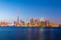 De horizon van Toronto na zonsondergang Stock Foto