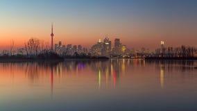 De horizon van Toronto op een de winteravond royalty-vrije stock foto's