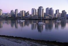 De horizon van Vancouver bij dageraad Canada Stock Foto
