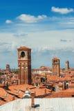 De horizon van Venetië met klokketorens Royalty-vrije Stock Foto's
